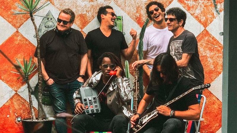 Pic Schmitz Make U Sweat George Israel feat Toni Garrido Lágrimas e Chuva
