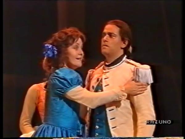 Young Cecilia Bartoli in Cosi fan tutte final acte II
