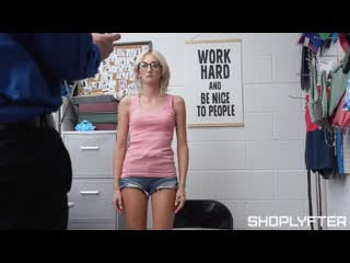 Tallie Lorian (The Cashier Scam) [2020, Curvy, Facial, Natural Tits, Older Vs. Younger, Pantyless, Small Ass, Small Tits, 1080p]
