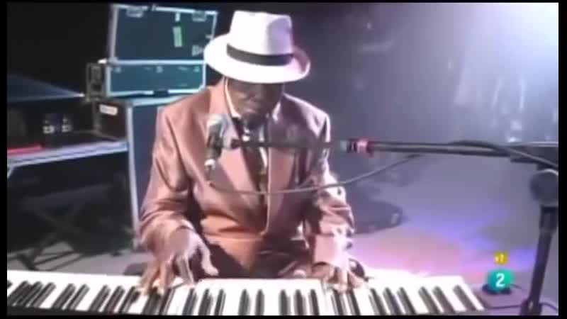 Pinetop Perkins 97 year old stuns crowd Sings BLUES at Live Concert Trim