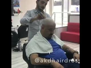Клиент решил разыграть парикмахера  Триникси
