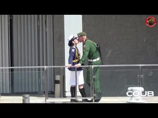 make love not war... афтепати после парада, Москва 24 июня 2020. счастья вам, ребята