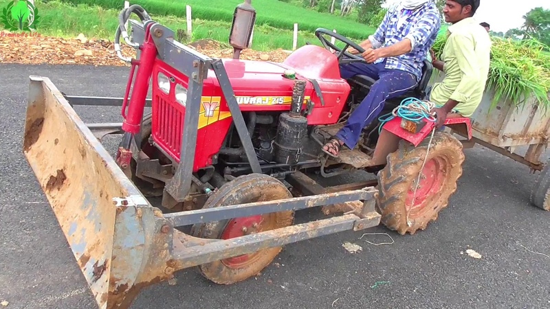 Mahindra Yuvraj 215 Review with Front End Dozer Loaded grass in mini Trolley