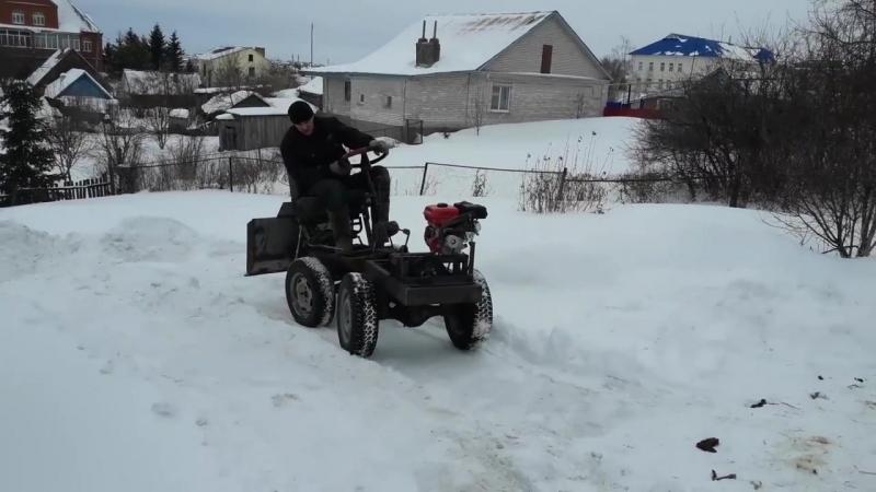 Уборка снега на минитракторе переломка.