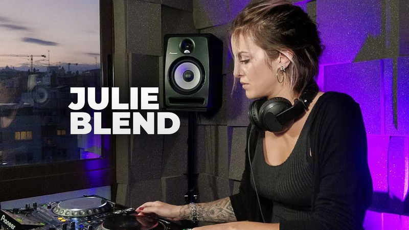 Julie Blend Live @ Radio Intense Barcelona 27 05 2020 Melodic Techno Mix