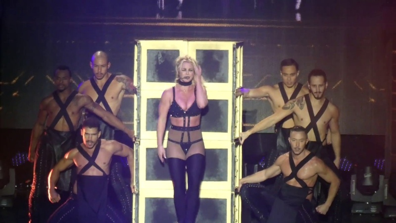 Britney Spears - Do Somethin´ - Piece of Me Tour 2018 - Live @ Sparkassenpark Mönchengladbach