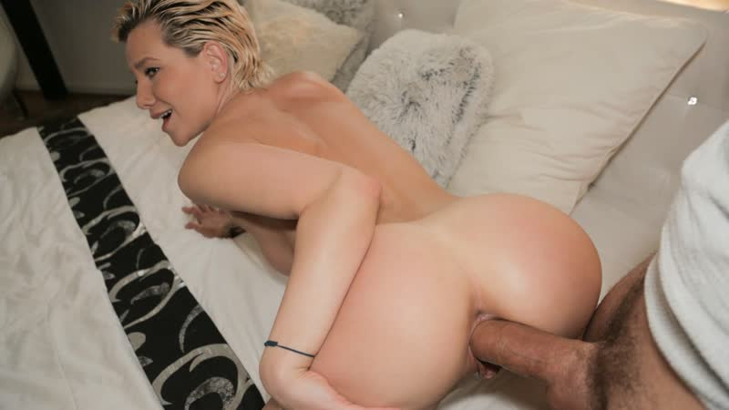 Subil Arch MILFS Perfect Body Fucked for Cash ( MILF, Big TIts, Public Agent, Blonde, Blowjob,