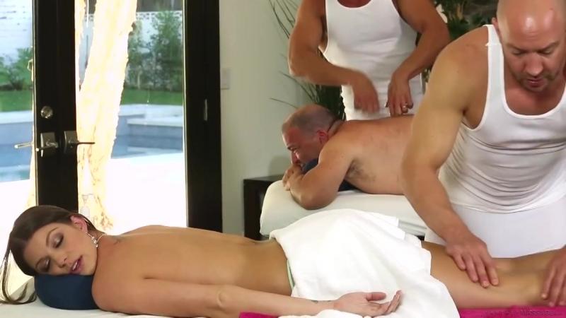 Муж пузан с красавицей женой пришли на массаж, но он не знал,