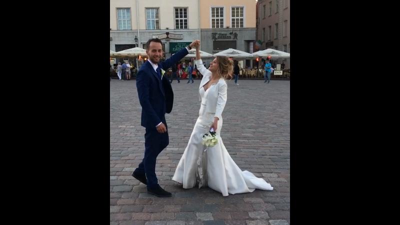 Свадебный танец на Ратушной площади