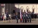 Первая, в этом году, церемония развода пеших и конных караулов Президентского полка. Соборная площадь Кремля .