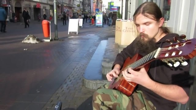 Amazing Street Guitarist-Mariusz Goli