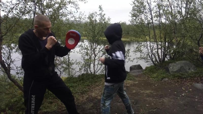 Связка: Левый прямой, левый сбоку, левый прямой. Кирилл 10 лет. Начинающая группа. Подготовка бойца. vk.com/oyama_mas