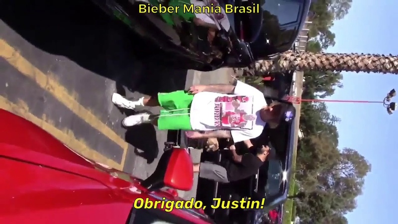 """LEGENDADO: """"Vocês podem ser profissionais?"""" Justin durante conversa com paparazzi em LA - 20/10."""