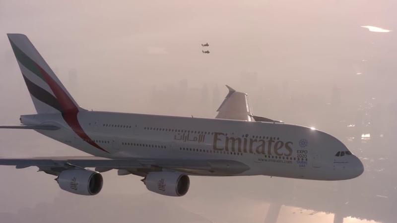 Совместньій полет человека и гигантского лайнера AIRBUS