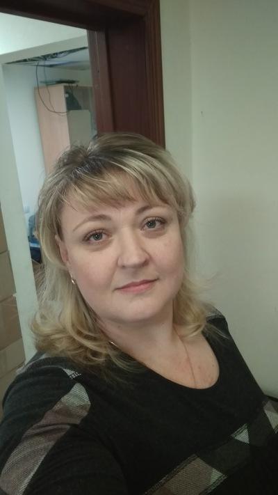 Оля Панина