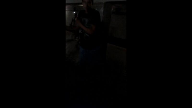 даун по кайфу танцует (480p).mp4