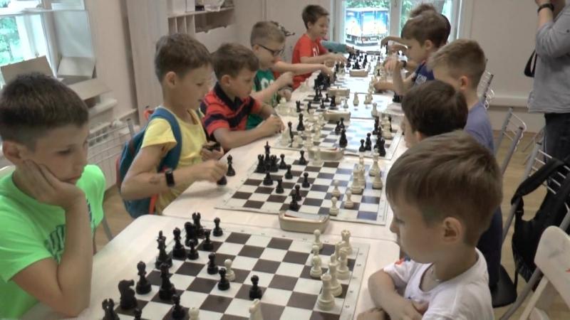 Гроссмейстерская сессия в Центральном парке культуры и отдыха (полная версия)