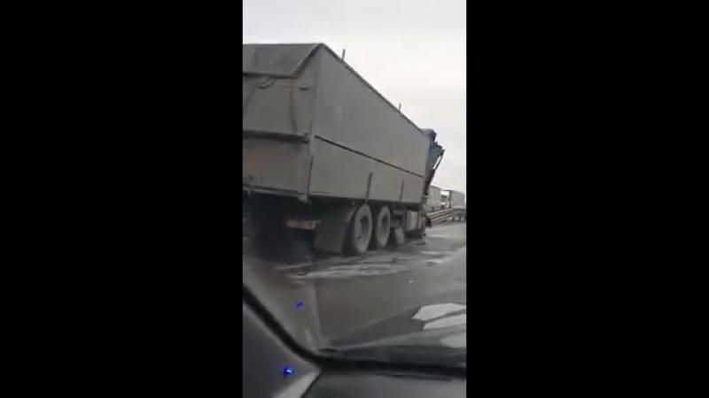 ДТП на М-4. Светофор на Аксай. 23 марта.
