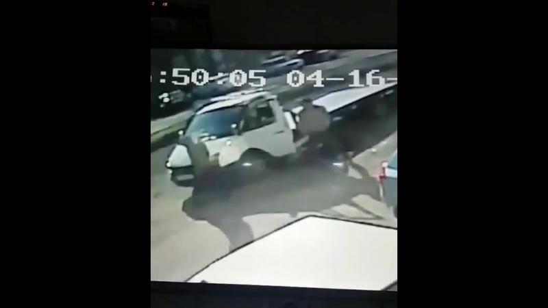 [OssVes] Трое неизвестных лиц похитили крышку люка