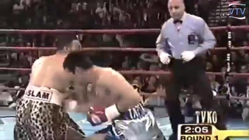 El dia que Marco Antonio Barrera le quito lo arrogante a Naseem Hamed.mp4