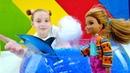 Видео для девочек - Барби в дельфинарии - Видео про кукол