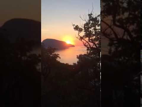 Восход Солнца над Аю-Дагом 5 июля 2018.