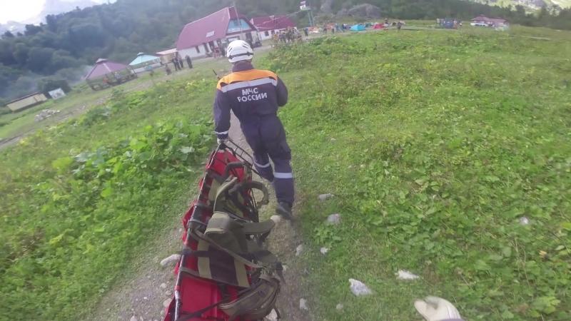 2018 Спасатели на вертолете эвакуировали 17 летнего туриста с приюта Фишт