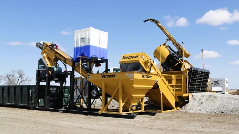 Система утилизации буровых растворов и шламов Vermeer MUD Hub: контейнер ST2000 и смеситель STS FL-243 с отвердителем