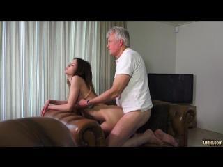 порно старый дед и молодая