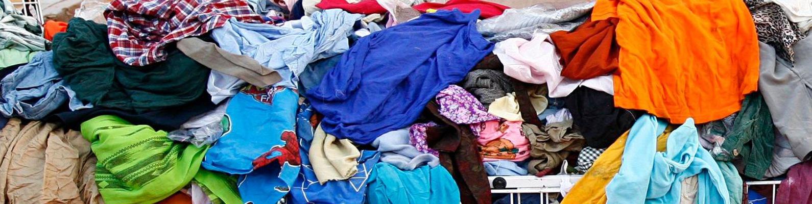 Картинки по запросу выброс старой одежды