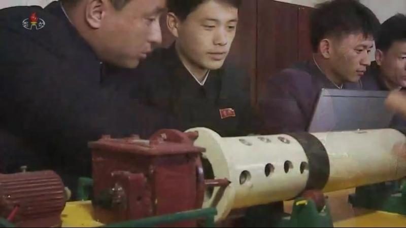 기술혁명의 기수들 순천세멘트련합기업소 3대혁명소조원들