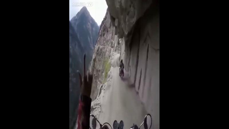 Видео Путишества на горах в мотоциклах