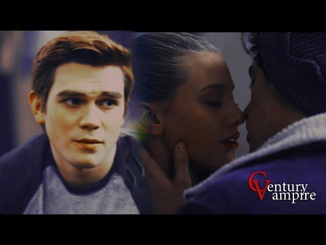| Archie Betty Jughead | Арчи Бети Джагхед | - Он тебя целует