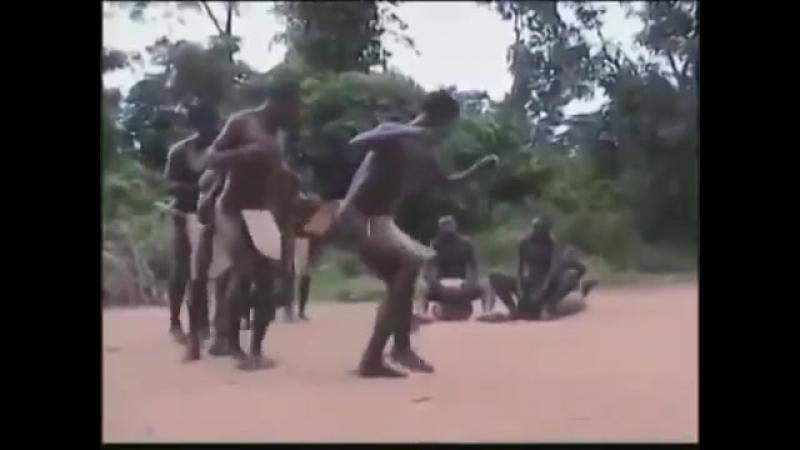 Танец папуасов