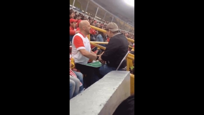 Dad uses brilliant technique to allow his blind son to enjoy Football Match