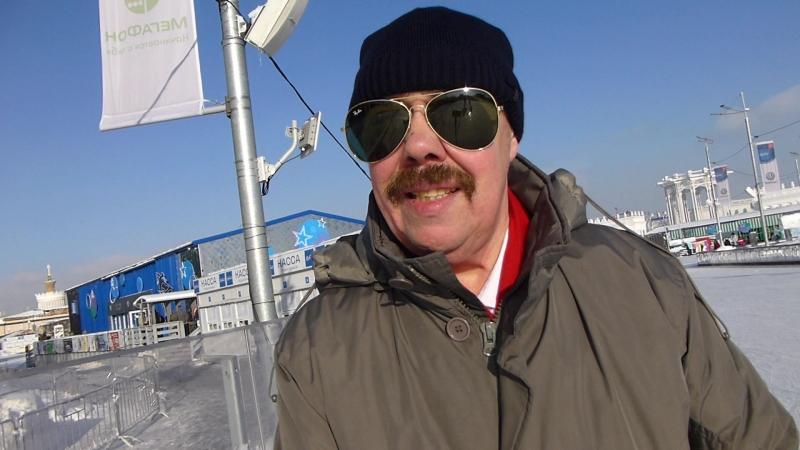 L1290290 Москва ВДНХ Катание на коньках Володя 65 лет 1февраля