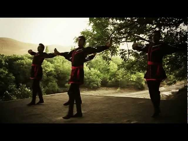 Sari gelin clip 2013 - Masood fallah otlar donce group -azrbaijan music in iran,tabriz.flv