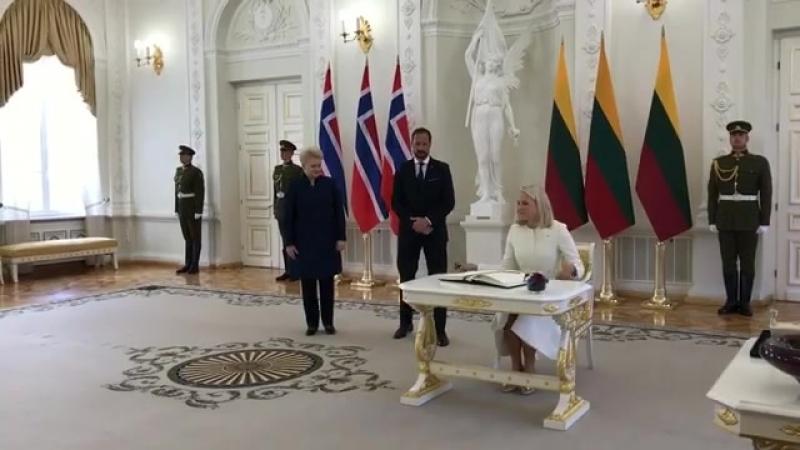 Crown Princess Mette-Marit and Crown Prince Haakon meet with Lithuanian President Dalia Grybauskaite