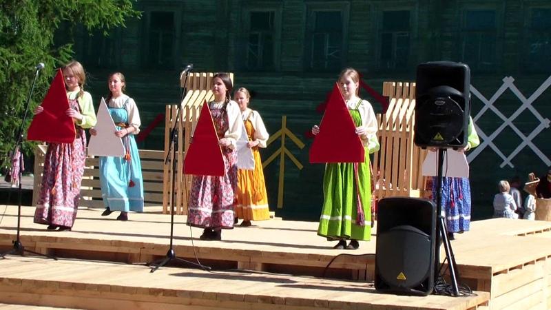 На Петровской ярмарке 2018 в селе Карпогоры