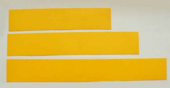 Поделки. Яблоки из бумаги. Сделать такие очаровательные тыквы из бумаги для осеннего оформления интерьера совсем несложно.Сначала вам надо будет из бумаги желтого или оранжевого цвета вырезать