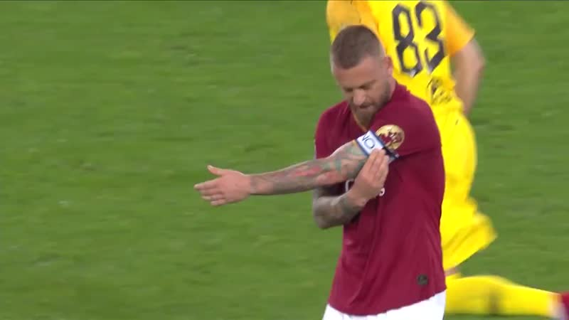 Now I will pass this armband on to Alessandro. Another brother, one that I know is equally worthy of the honour. - - DDR16 ASRom