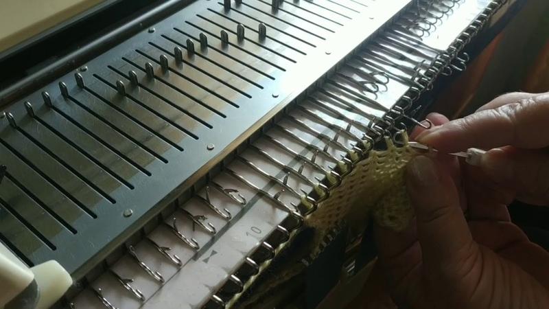 3. Закрытие петель на вязальной машине способом косичка или петля в петлю
