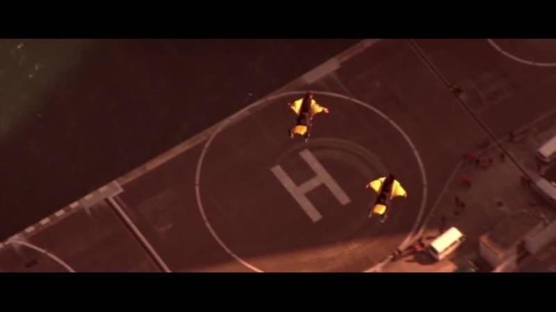 Полет в вингах (эпизод из фильма Лара Крофт 2 Колыбель жизни)