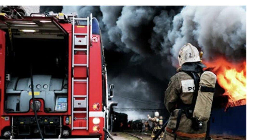 Два человека погибли при пожаре в частном