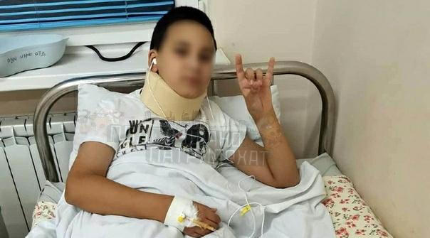 Троллил девок и попал в больничку Сочи, школа 13, 23 октября. 10-летний мальчик, освобожденный от урока физкультуры, сцепился со сворой злобных сук, которые начали избивать его и натравили