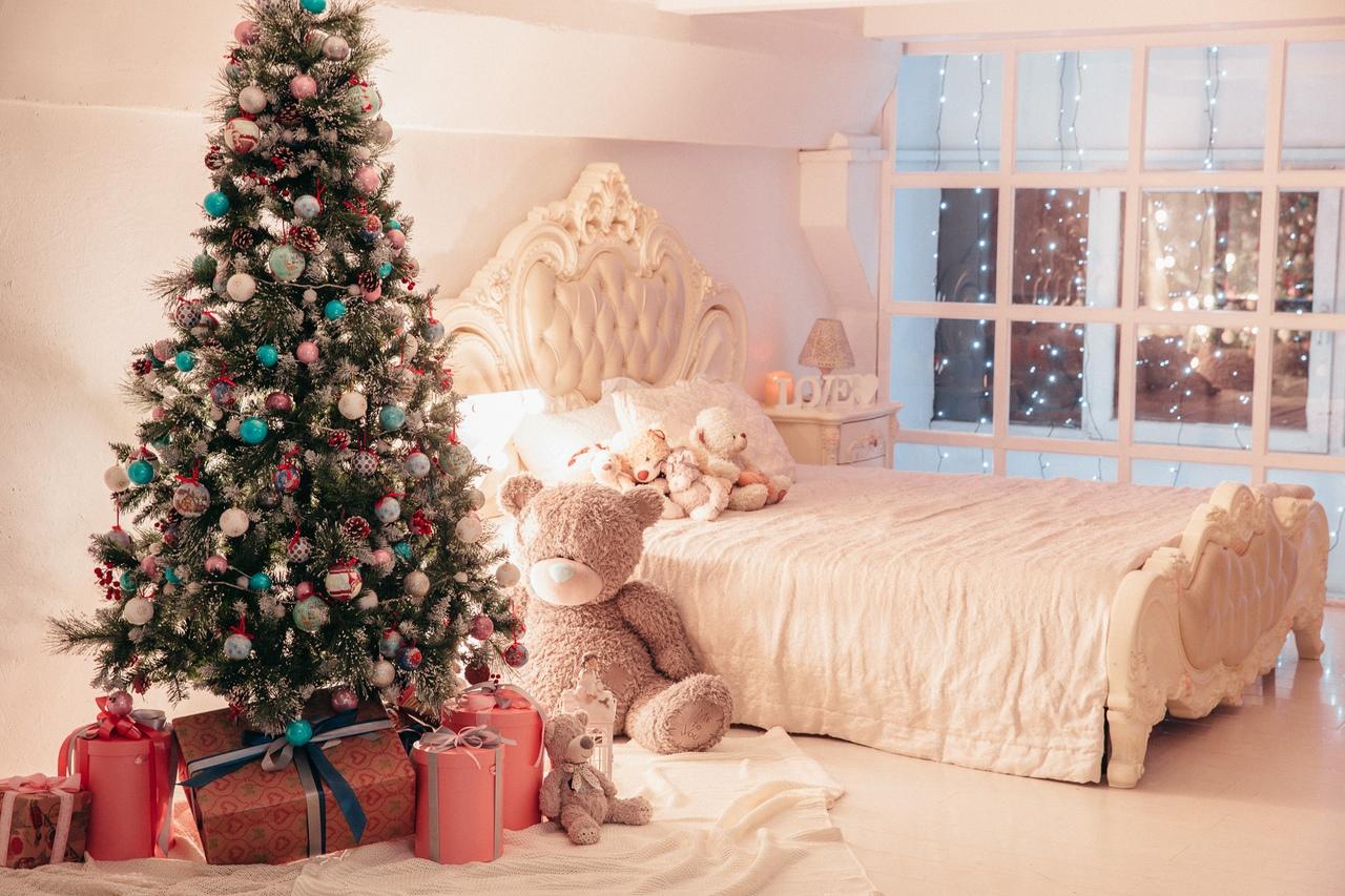 Фотостудии с новогодними декорациями спб