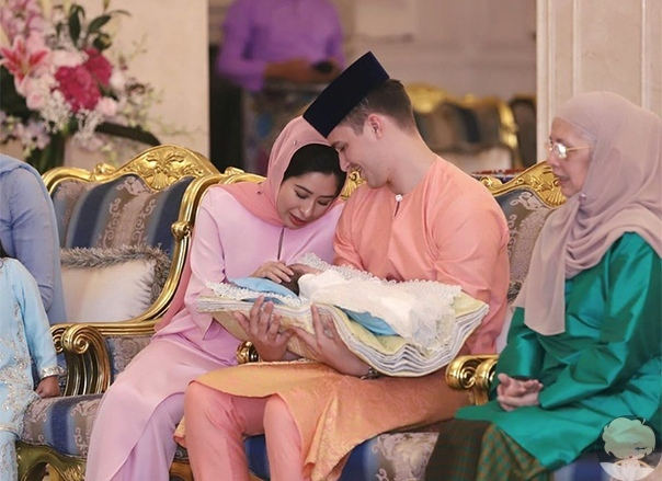 Принцесса Малайзии Амина и ее муж-простолюдин впервые стали родителями