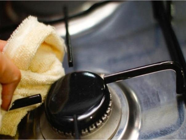 Вы сможете очистить старые решетки и конфорки за 10-15 минут
