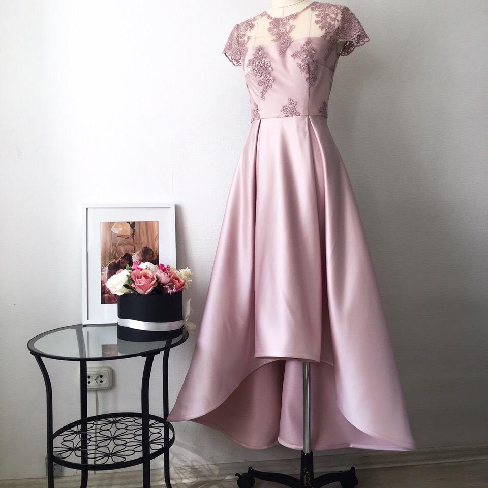 Совсем забыла, что успела запечатлеть это прекрасное платья для милой выпускницы Насти