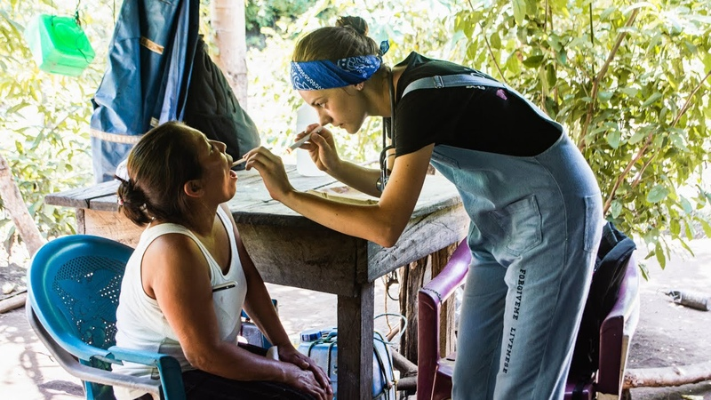 Как русские врачи спасают жизни в Латинской Америке? Клиника на краю Земли.